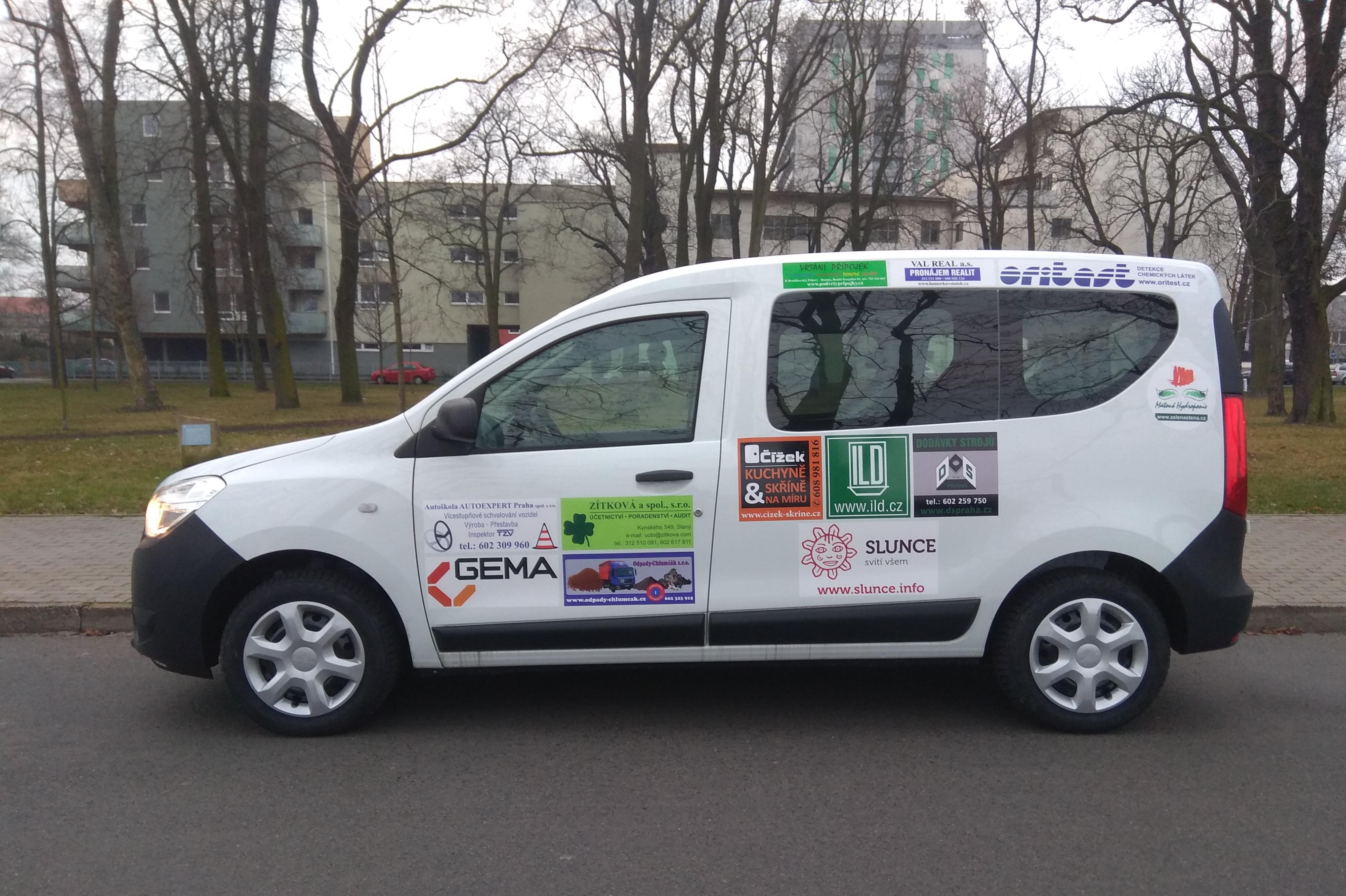 Škola v Unhošti má nový sociální automobil